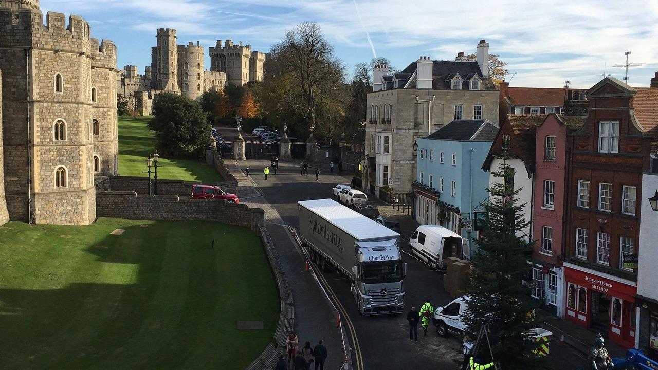 Mercedes Windsor Castle Christmas Tree