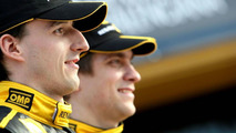 Petrov must increase commitment to F1 team - Lopez
