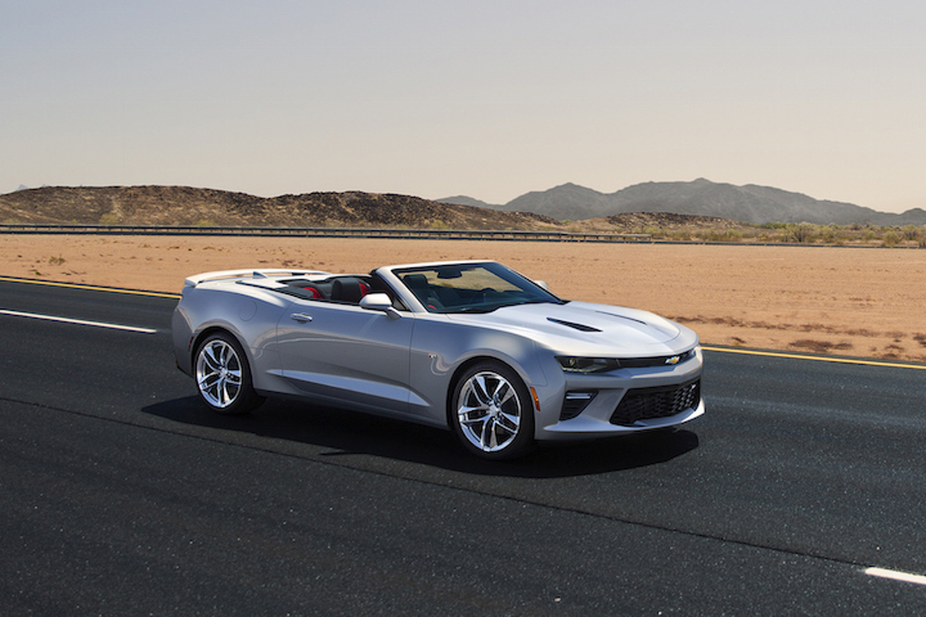 2016 Chevrolet Camaro Drops Its Top in Detroit