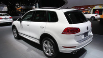 2014 Volkswagen Touareg R-Line live in Detroit 15.01.2013