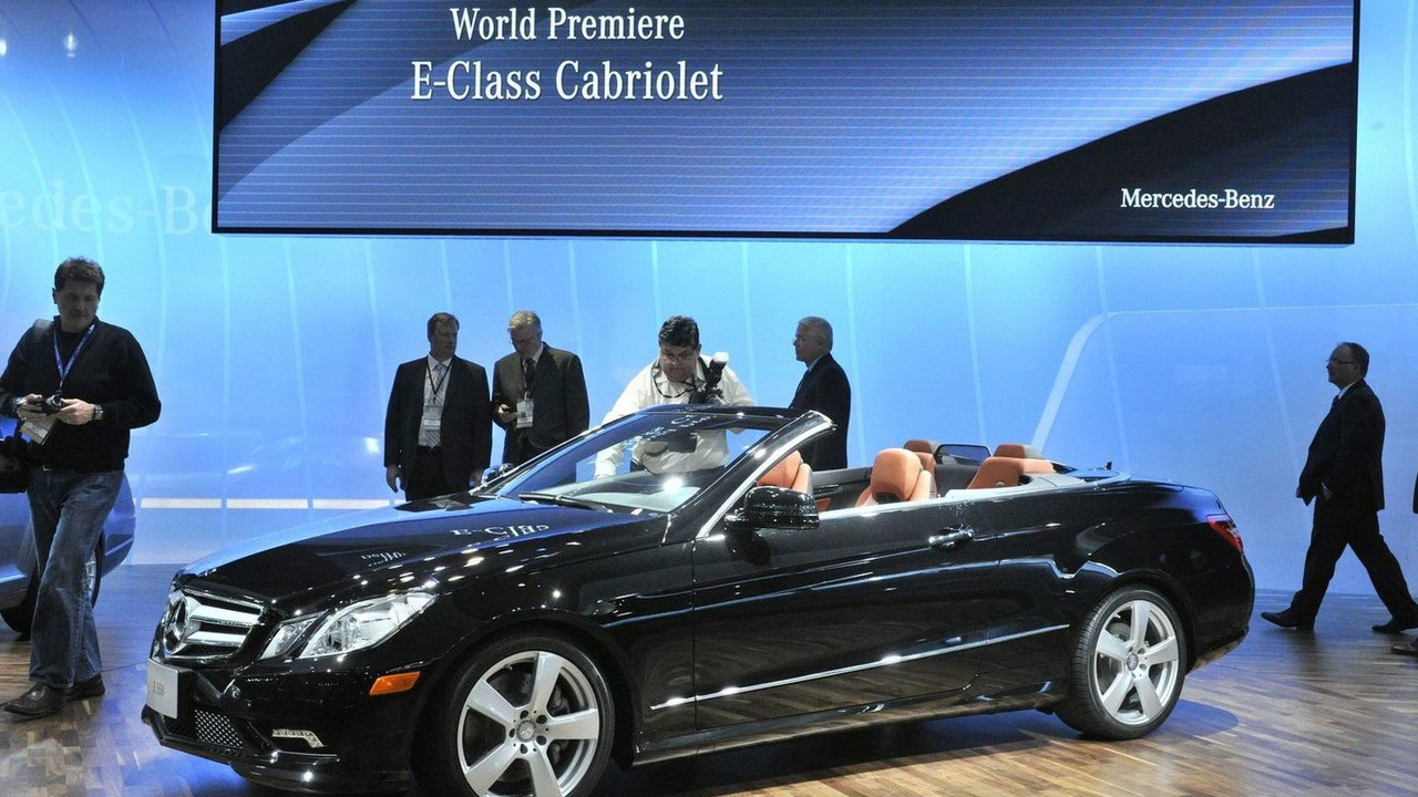 2010 Mercedes E-Class Cabriolet live in Detroit, NAIAS 12.01.2010