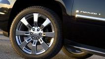 2009 GMC Yukon Denali Hybrid Announced for New York Debut