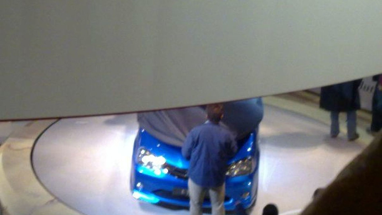 Toyota Etios spied at New Delhi Auto Expo Show Stand - 600
