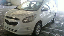 All-new 2013 Chevrolet Spin MPV teaser spoiled by spy photos