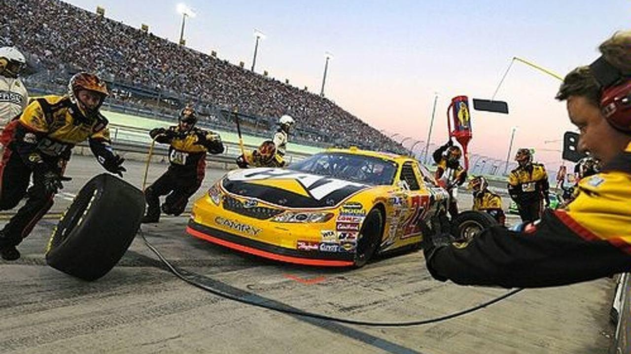 2007 NASCAR pit stop