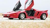 1992 Vector W8
