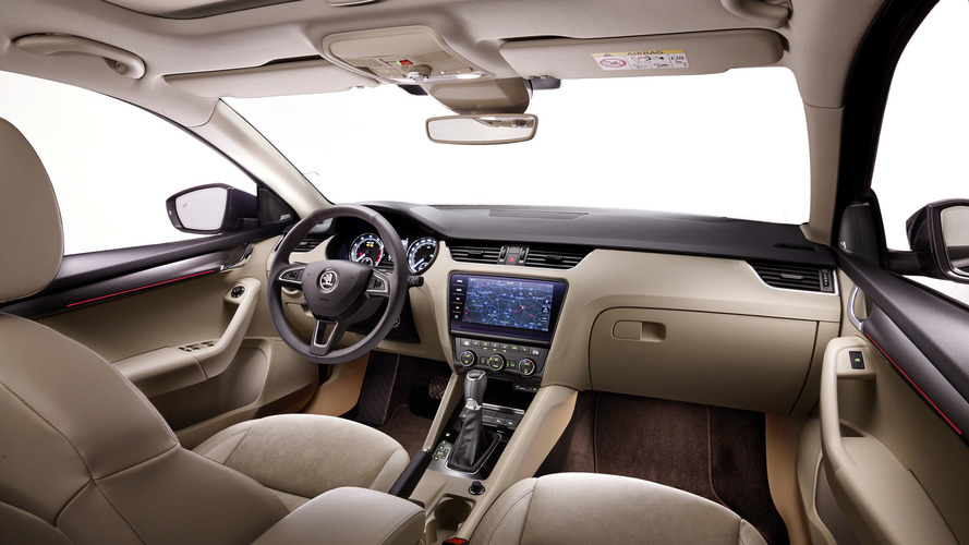 2017 Skoda Octavia facelift interior cabin detailed
