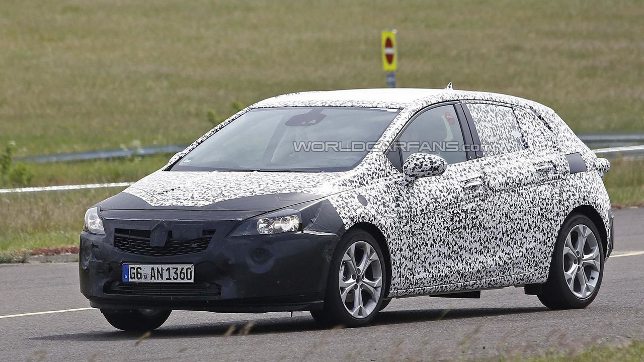 2016 Opel Astra spy photo