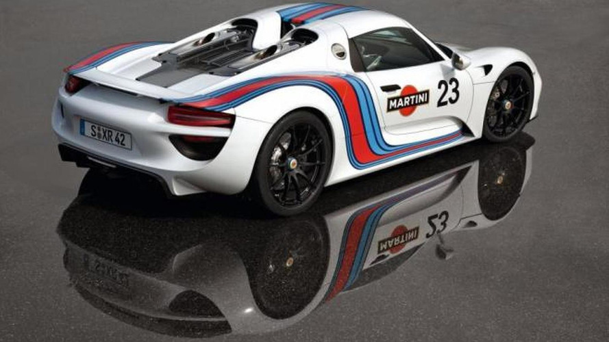 Porsche 918 Spyder spied in Martini Racing livery [video]