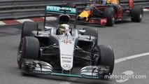 Lewis Hamilton, Mercedes AMG F1 W07 Hybrid