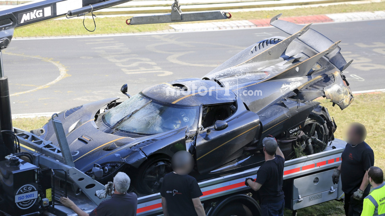 Koenigsegg One:1 crash