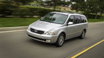 Kia Sedona returns from the dead with minor updates