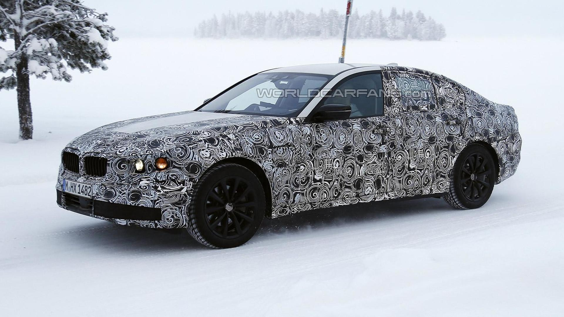 Next generation BMW 5-Series plug-in hybrid spied up close winter testing