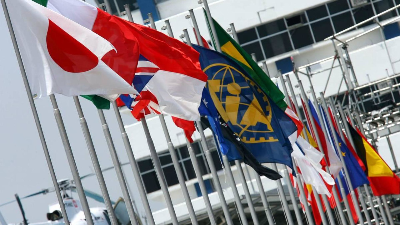 Nation Flags / FIA Flag / Fetaure - Formula 1 World Championship, Rd 17, Brazilian Grand Prix, 21.10.2007 Sao Paulo, Brazil