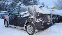 Hyundai ix20 facelift spied inside and out