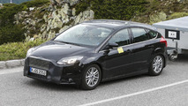 2014 Ford Focus facelift spied