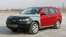 Mitsubishi Outlander Facelift Spy Photos