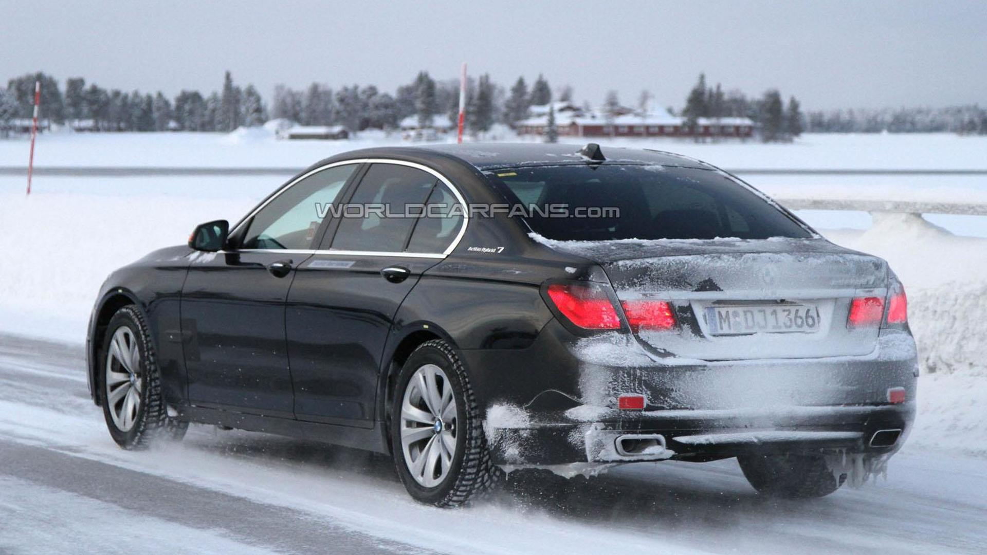 BMW 7-Series facelift spied cold weather testing