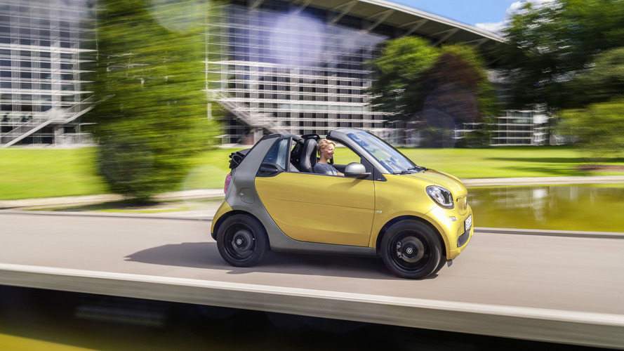 Smart ForTwo Cabrio now available with manual trans, starts at 14,305 euros