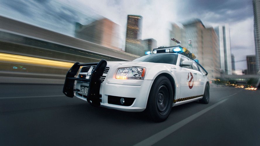The last Ghostbusters sucked, this Dodge Magnum-based Ecto-1 doesn't