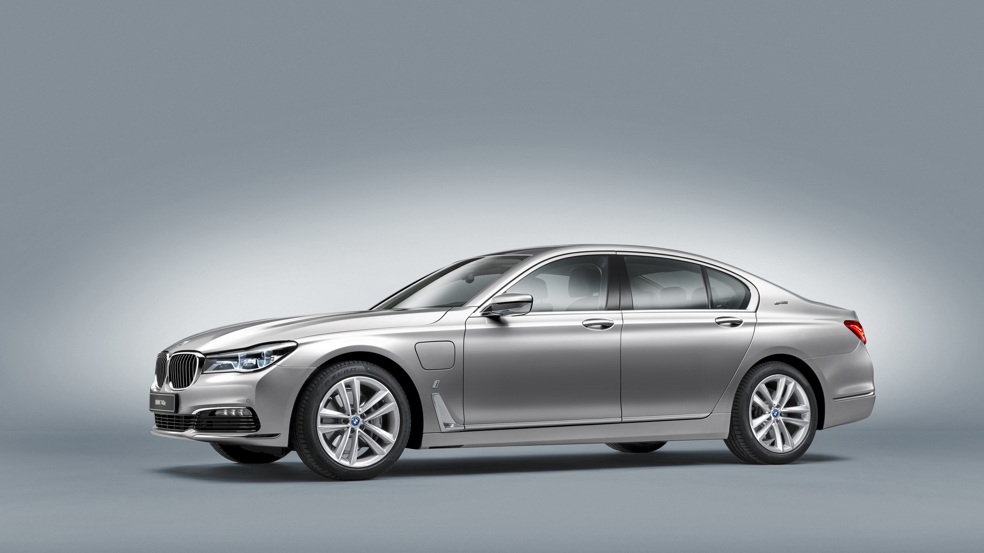 BMW 740e hybrid inaugurates iPerformance sub-brand
