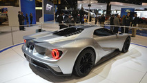 Ford GT brings a silver suit to Chicago
