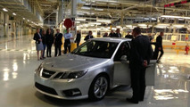 Saab resumes production, first prototype rolls off the line in Trollhattan