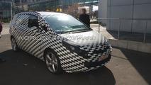 2012 Opel Zafira first spy photos 09.04.2010