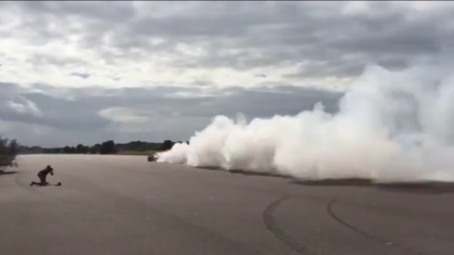 Watch the 1500 hp Koenigsegg Regera do a massive burnout