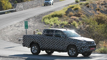 2016 Toyota Hilux spy photo