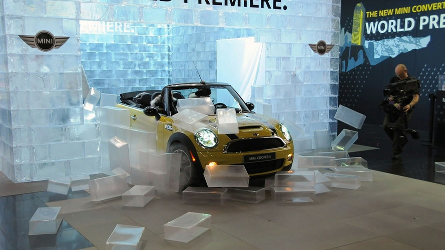 VIDEO: Mini Cooper Convertible Debuts at 2009 NAIAS