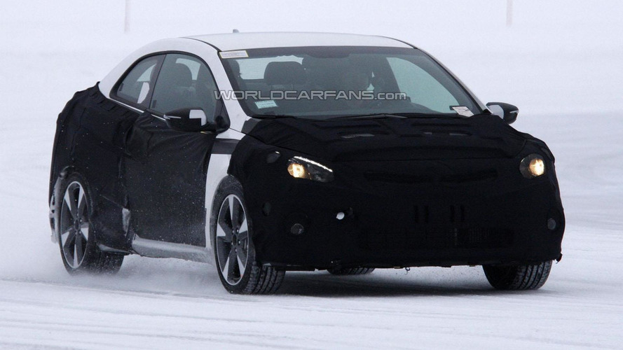 2014 Kia Forte Koup spied for the first time