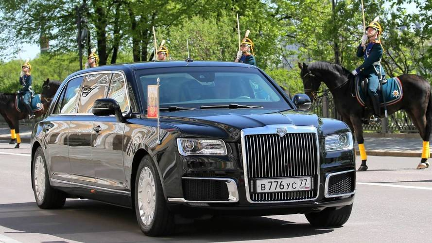 Vladimir Putin Debuts His Huge, New Limo At Inauguration Ceremony