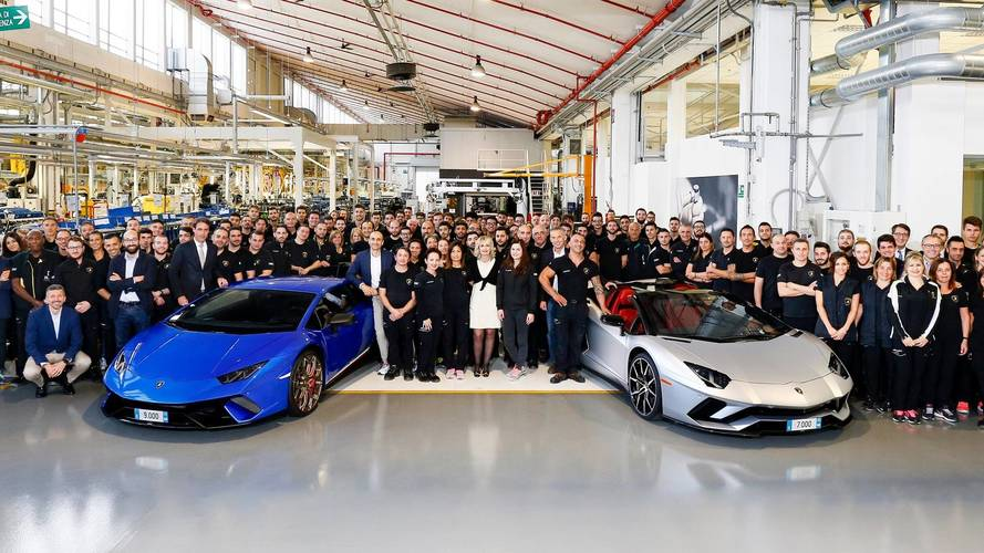 Lamborghini Produces 7,000th Aventador, 9,000th Huracan
