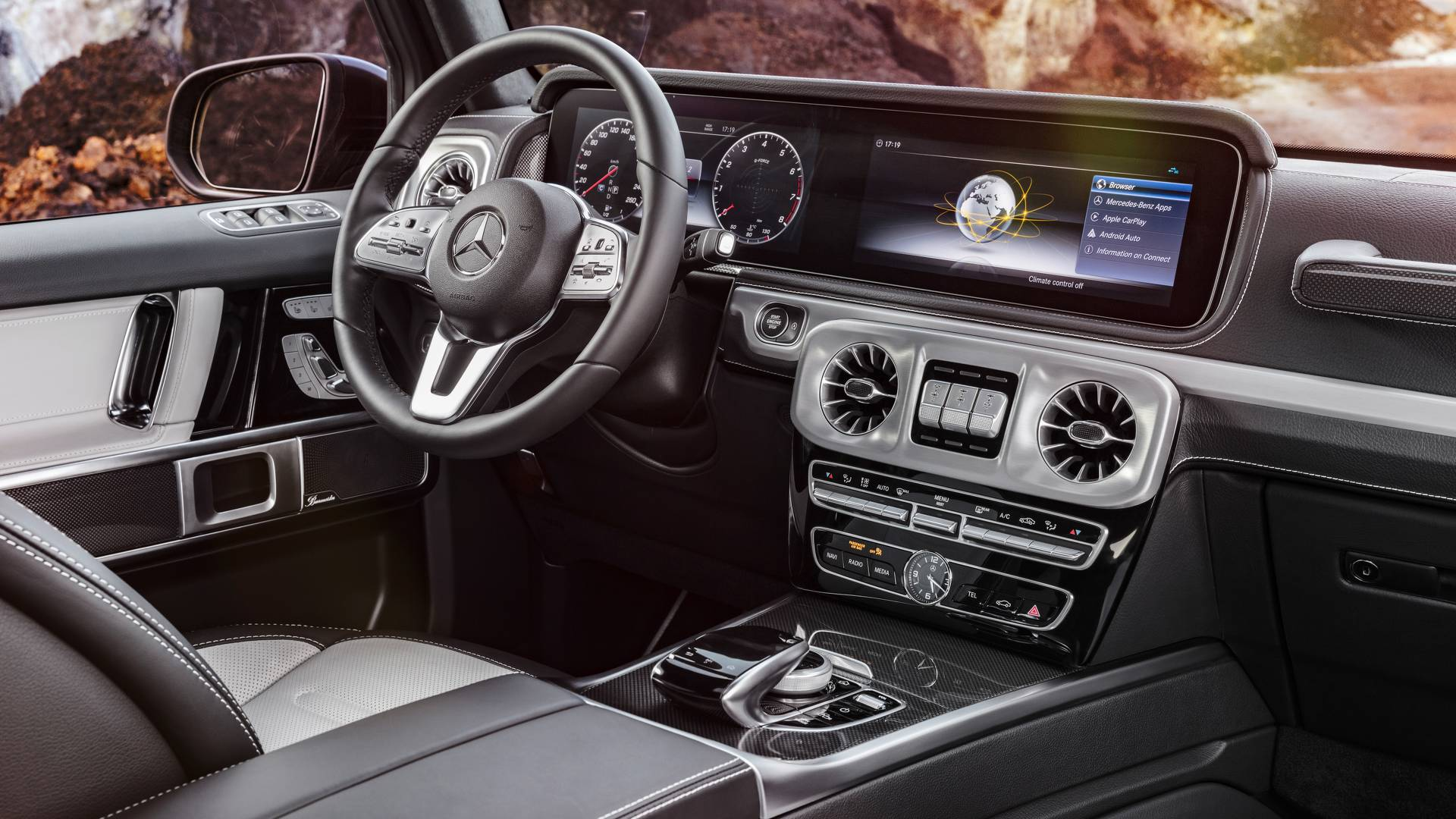 2018 Mercedes G Class interior first look Old inside out