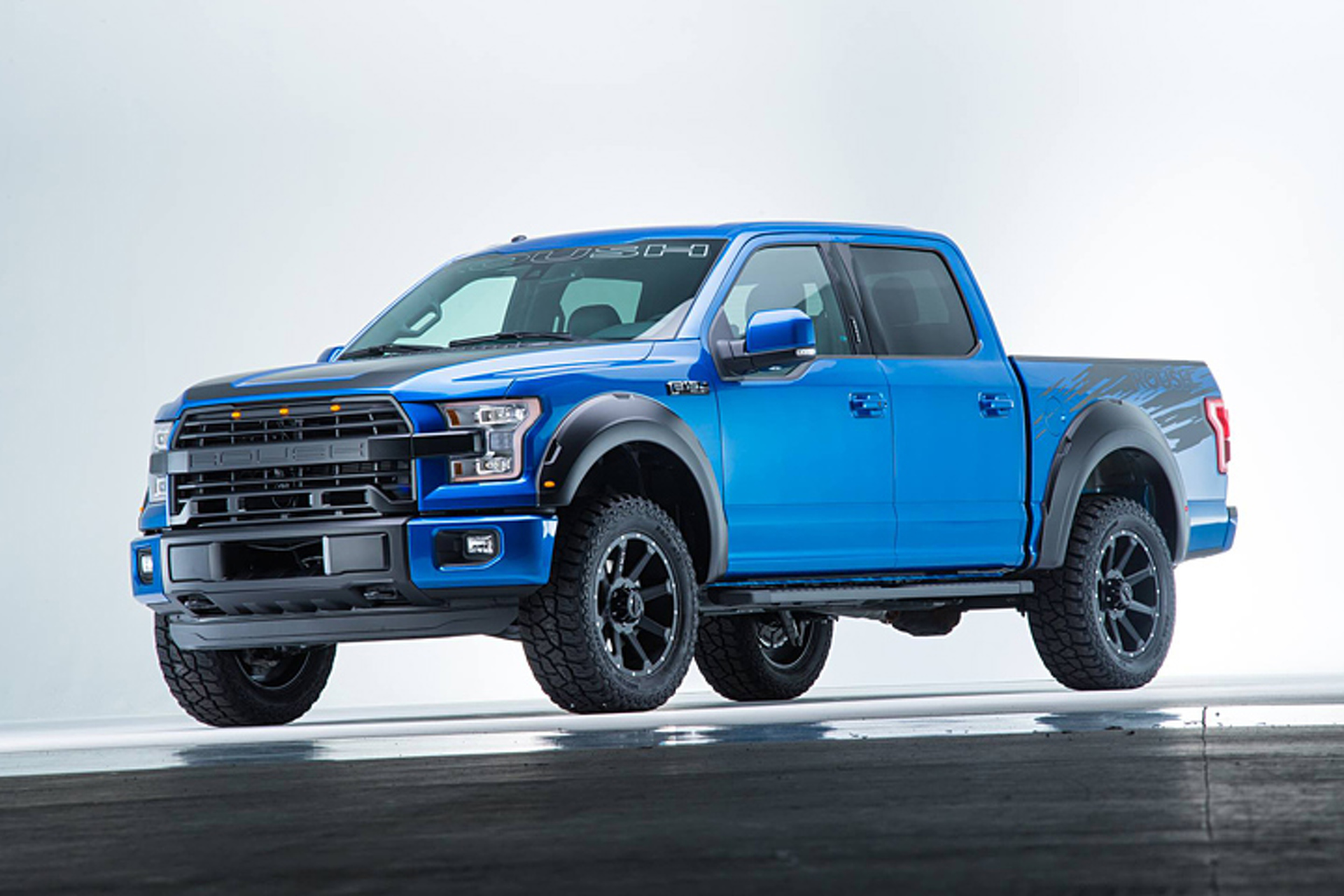 roush turns the 2016 ford f 150 up to 600hp. Black Bedroom Furniture Sets. Home Design Ideas