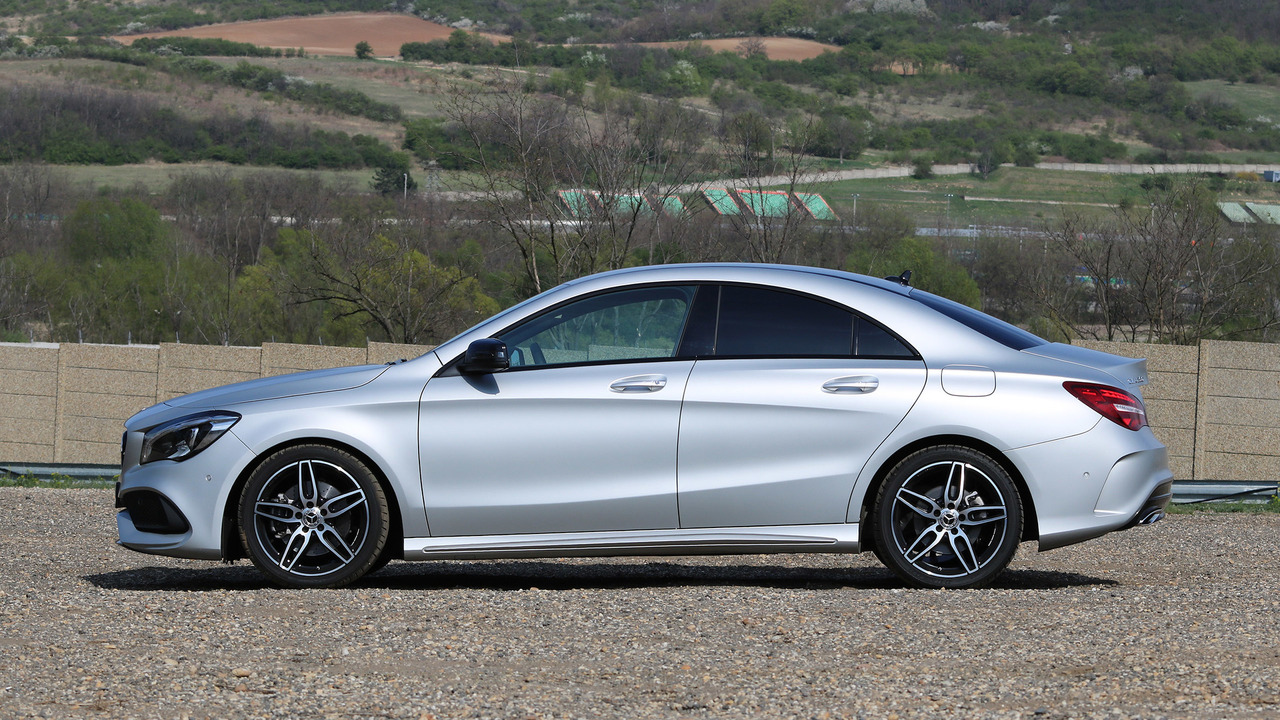 2017 mercedes benz cla250 first drive your first luxury sedan. Black Bedroom Furniture Sets. Home Design Ideas