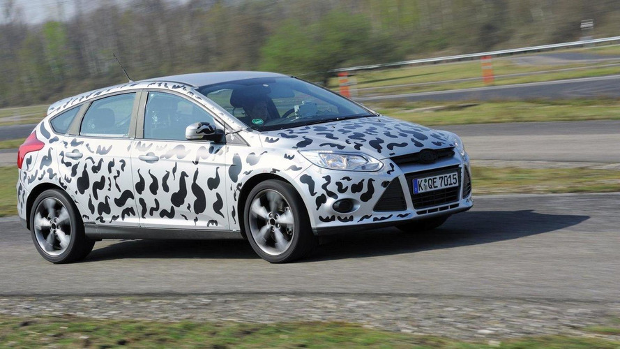 Ford Focus ST teased [video]