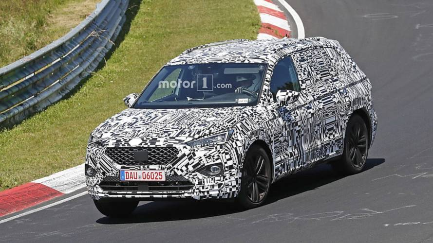SEAT Tarraco caught in motion hiding sharp body during track tTest