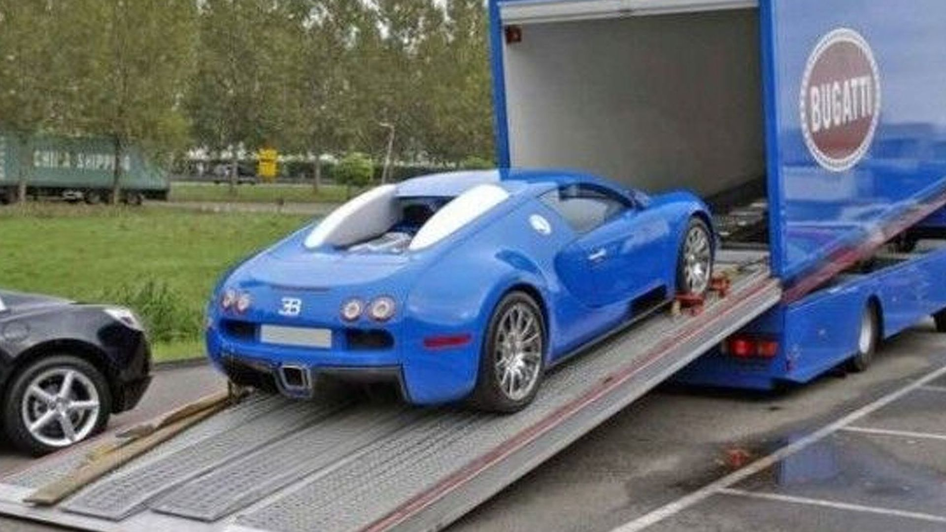 bugatti veyron for sale with matching transport truck. Black Bedroom Furniture Sets. Home Design Ideas