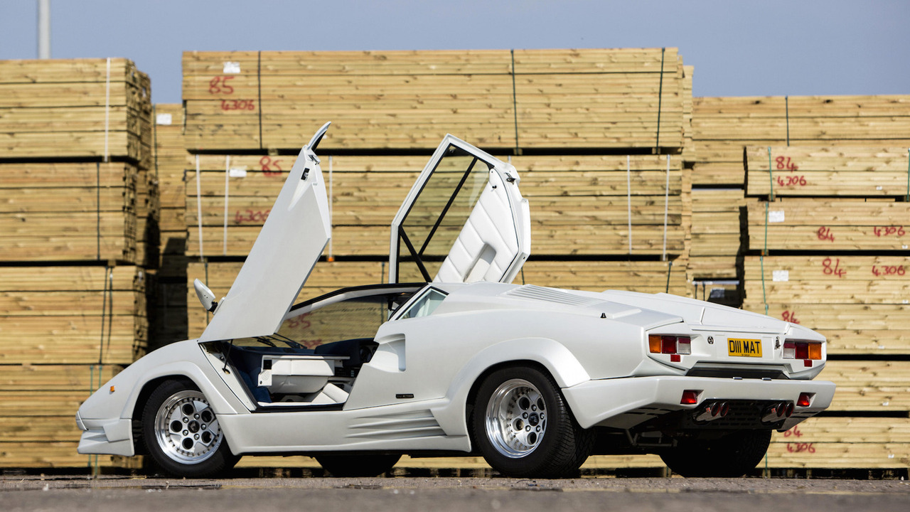 wolf of wall street directors wrecked a real lamborghini countach for film. Black Bedroom Furniture Sets. Home Design Ideas