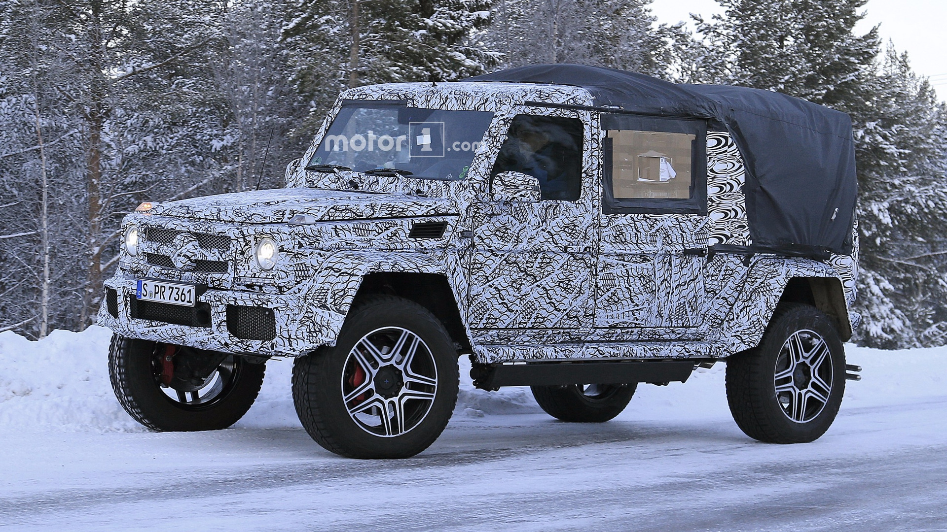 2018 mercedes g class 4x4 spied as double cab pickup. Black Bedroom Furniture Sets. Home Design Ideas