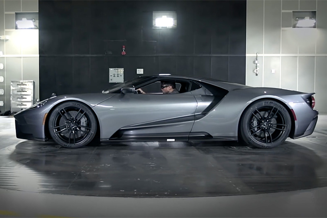 Watch the Aerodynamics of the 2017 Ford GT in Action