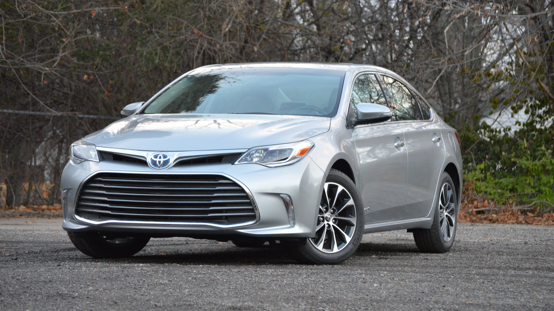 driver depth original in s and avalon take quick model reviews review photo car toyota