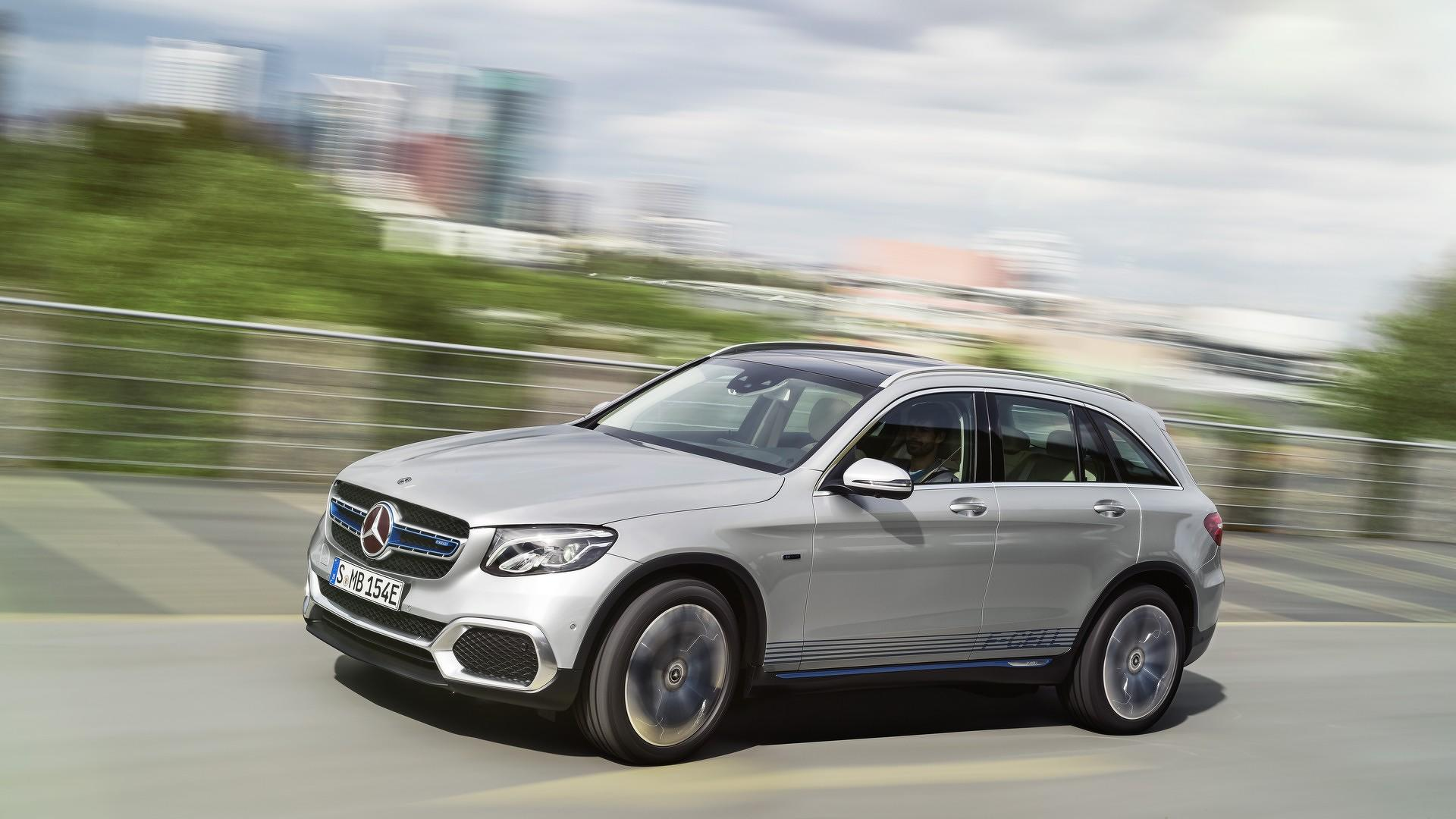 2015 - [Mercedes] GLC (GLK II) [X205] - Page 16 2018-mercedes-glc-f-cell-official-image