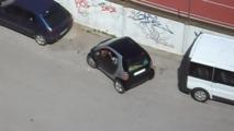 Bir Smart'ı park etmek hiç bu kadar zor olmamıştı