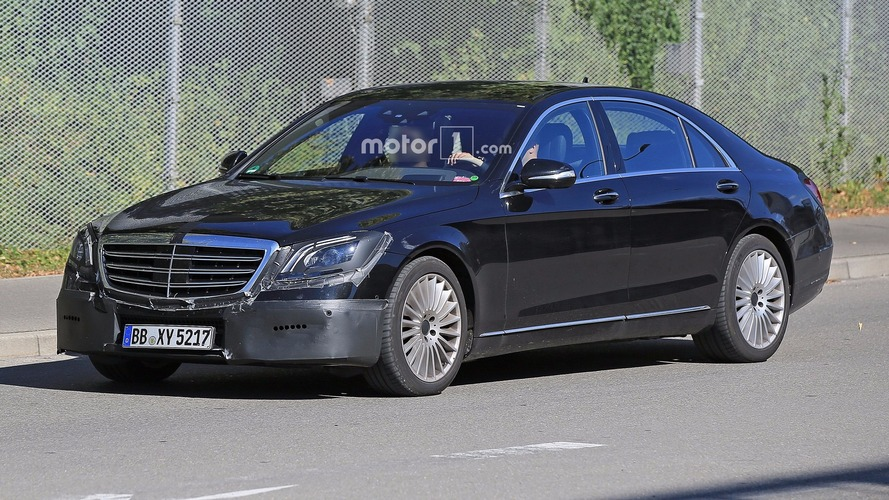 2018 Mercedes S-Class facelift spied with several changes