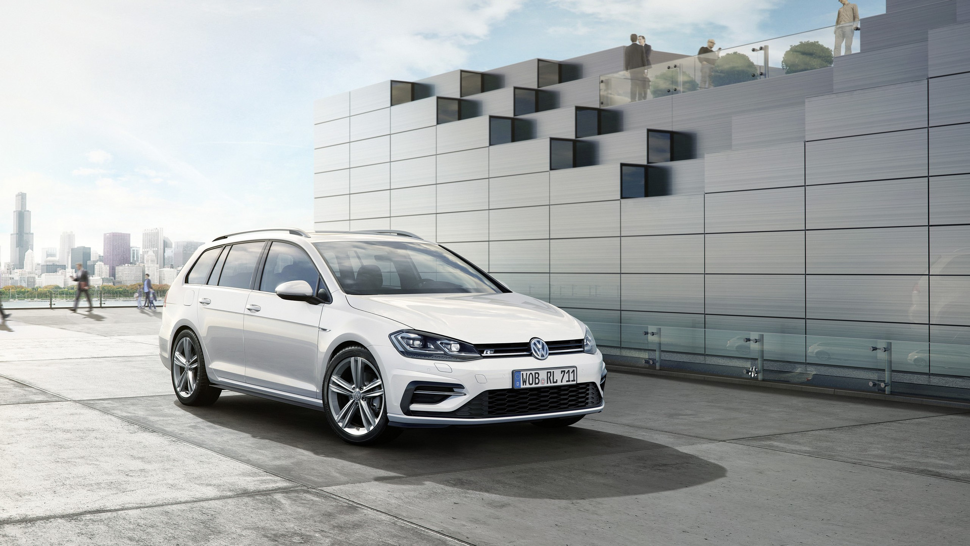 VW Golf Facelift Gets Sporty R Line Treatment