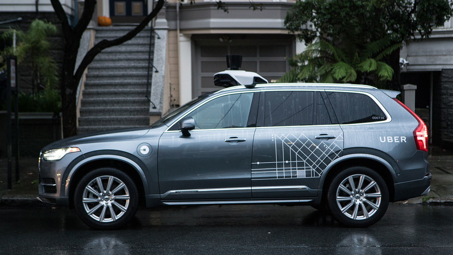 Após polêmica, Uber retira XC90 autônomo de circulação nos EUA