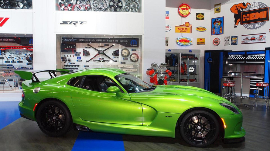 SRT Viper receives Stryker Green paint and Grand Touring package